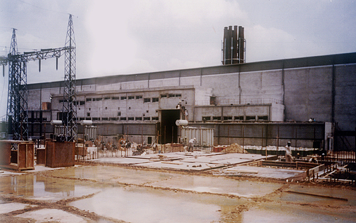 Completion Phase Of Engine Building And Pouring Of Water